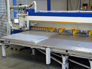 Aluminium sheets rolled - Precision circular saw for rolled plates