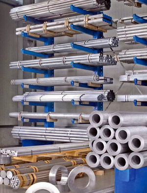 Bars as far as the eye can see - Whether bars, tubes or sections, drawn and pressed aluminium products are warehoused and processed in Factory I.